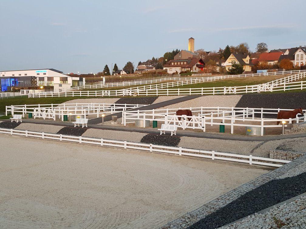 Unsere Anlage Am Fuß Der Burg Thierstein