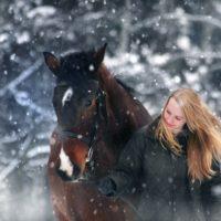 Reiterin_Schnee